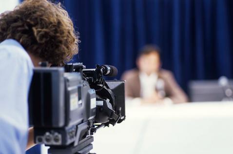 Licitación del tercer canal se abrirá en septiembre, anunció Santos