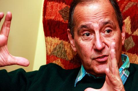 Juan Camilo Restrepo será el jefe negociador del Gobierno en los diálogos con el ELN