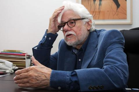El exmagistrado Carlos Gaviria falleció esta noche en Bogotá