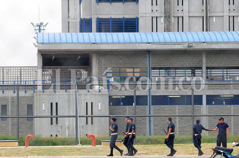 Después de la fuga de 'El Desalmado', ¿quién debe vigilar las cárceles?