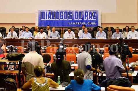 Diálogos en La Habana se reanudan en medio de confrontaciones