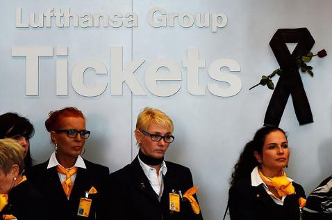 Copiloto sería responsable de siniestro del avión de Germanwings