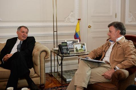 Procurador Ordoñez deje de meterse en el proceso de paz: presidente Santos