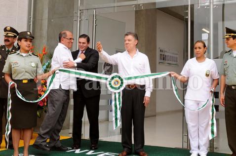 Presidente Santos inauguró en Cali clínica para la Policía