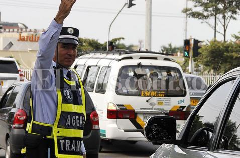 'Olas verdes' y agentes de tránsito para regular el tráfico en Ciudad Jardín