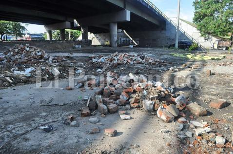 300 personas sancionadas por botar basuras donde no se debe en Cali