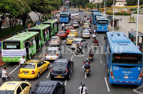 Acción popular pararía 134 buses del MÍO por lío con el quinto operador