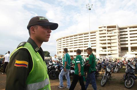 Dos mil policías y estrictas medidas de seguridad para el partido Cali - Medellín