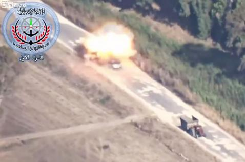 En video: misil impacta vehículo y su conductor sale caminando