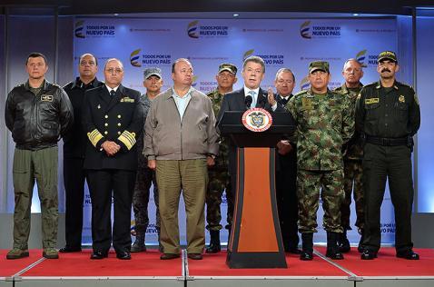 Santos anuncia cambios en la cúpula militar