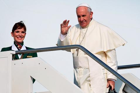 El papa Francisco partió a Ecuador, primera etapa de su viaje a Sudamérica