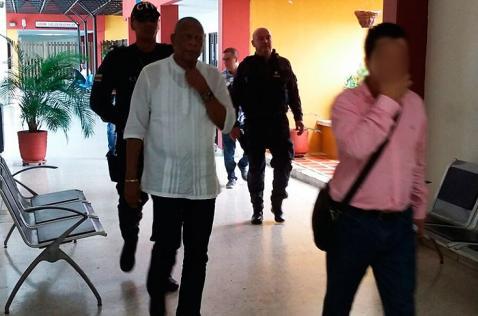 Alcalde de Buenaventura y otros ocho detenidos no aceptaron cargos por corrupción