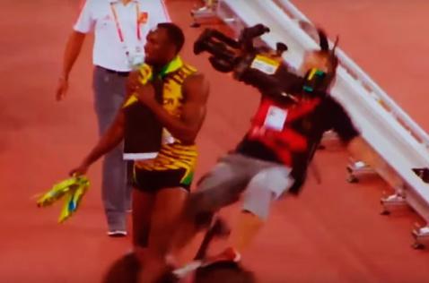 El viral del día: camarógrafo atropella a Usain Bolt durante Mundial de Atletismo