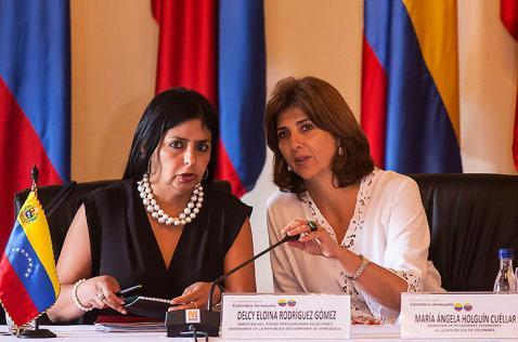 Canciller venezolana arremete contra su par colombiana en medio de crisis fronteriza