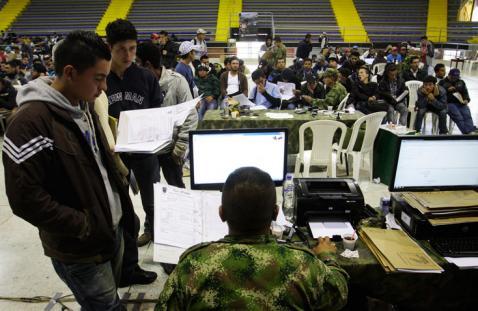 Gobierno propone que libreta militar no sea requisito para buscar empleo