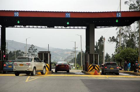 Colombianos tendrán que pagar más peajes: ANI