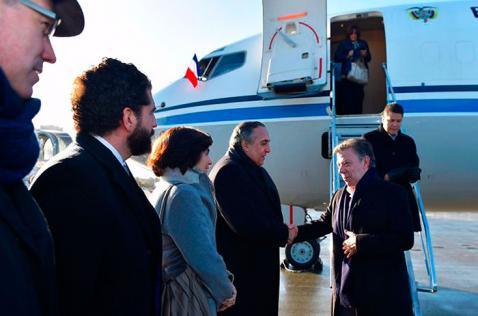 Santos llega a París para participar en cumbre del cambio climático COP21