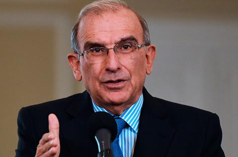 Gobierno analizará propuesta de llevar a la Constitución los acuerdos de paz