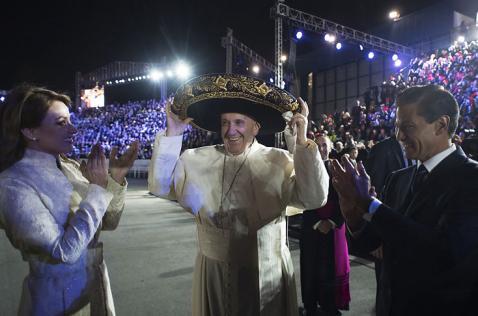 El Papa inicia su esperada visita a México con un inédito recibimiento oficial