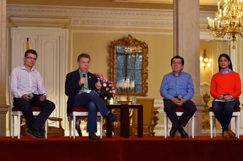 No hay casos de microcefalia asociados con el Zika en Colombia: presidente Santos