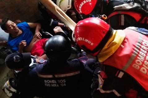 Rescatistas hallan un sobreviviente 13 días después del terremoto de Ecuador