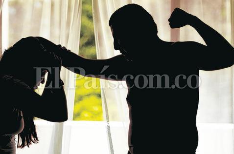 Mujer retenida por  expareja, otro caso de violencia intrafamiliar