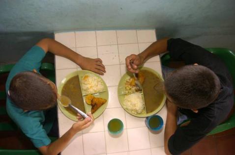 Gobierno aprobó $ 100 mil millones para el programa de alimentación escolar