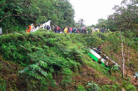 Tres muertos y 30 heridos dejó accidente entre Mocoa y Pitalito