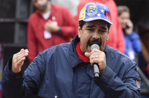 Maduro dice que irá a referendo si se validan firmas para revocar su mandato