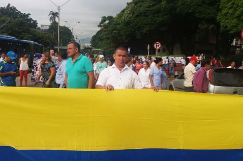 Trabajadores del HUV protestan para exigir pagos y más insumos clínicos