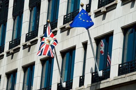 Aumenta incertidumbre sobre la economía mundial por referendo británico