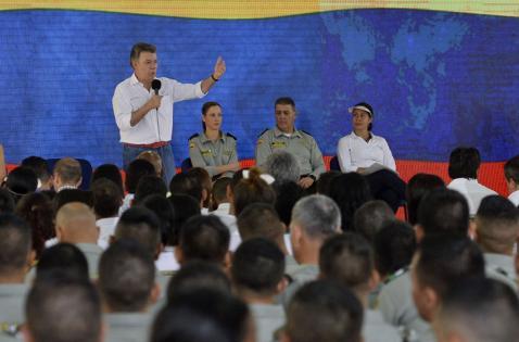 Galeón San José no será recuperado por cazadores de tesoros, dice presidente Santos