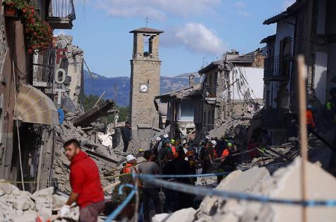 Más de 30 muertos deja terremoto de 6,2 grados en el centro de Italia