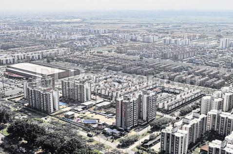La mitad de los caleños viven en conjuntos residenciales