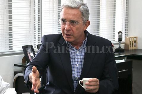 El 'fast track' fue creado para favorecer a las Farc: Álvaro Uribe