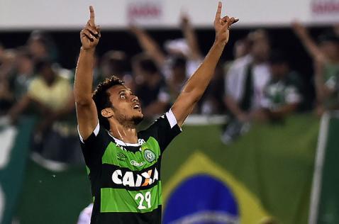 En delicado estado de salud continúa Hélio Neto, sobreviviente del Chapecoense