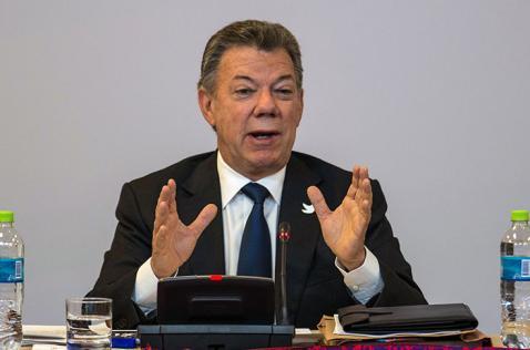 Santos exige captura inmediata de responsables de atentado en Bogotá