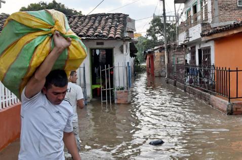 Organismos de socorro en Cali están en alerta por alto nivel del río Cauca en Juanchito