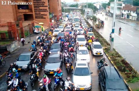 Video: Caleños rechazaron cierre del túnel de la Avenida Colombia que generó gran trancón