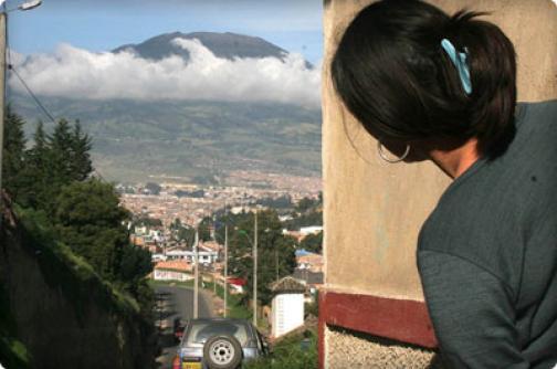 Autoridades sismológicas decretan alerta naranja en el volcán Galeras