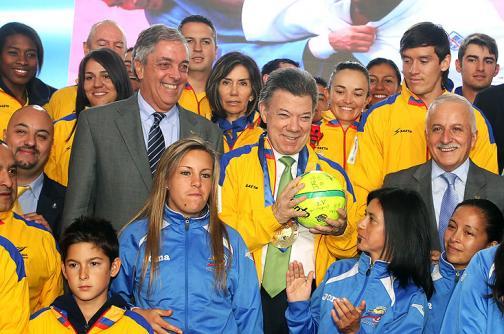 Presidente Santos recibió a los campeones bolivarianos