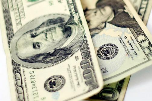 Dólar abre nueva semana por debajo de $2.900