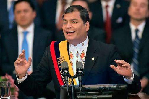 Ecuador lanza inusual llamado a no ir de compras a Colombia