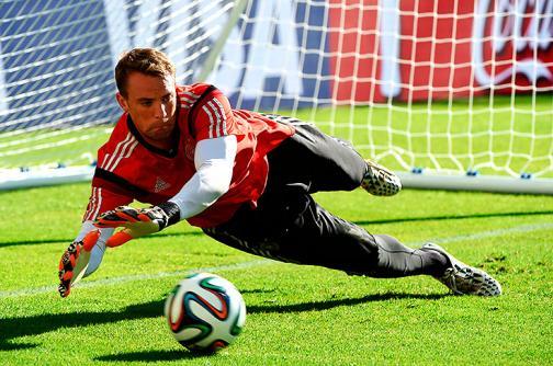 Manuel Neuer, el portero que juega como un defensor