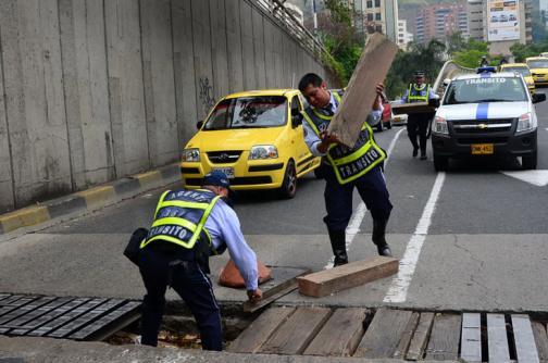 Instalarán nueva rejilla en Calle 5 con Carrera 4 para evitar más accidentes