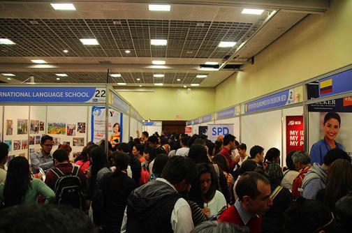 Conozca las oportunidades para estudiar en el exterior