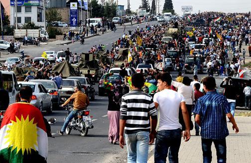 En fotos: sirios celebran la llegada de kurdos iraquíes que defenderán Kobane