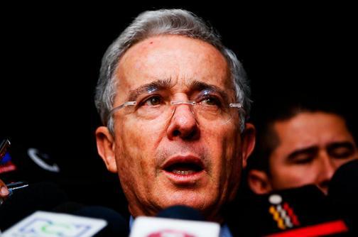 No conozco aquello de manipular justicia, la confronto: Álvaro Uribe