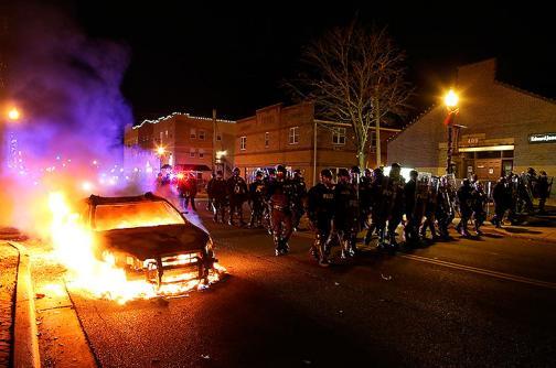 Disturbios en Ferguson, EE.UU., por libertad de policía acusado de asesinato
