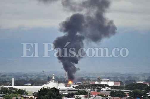 Imágenes del incendio que consumió fábrica del oriente de Cali